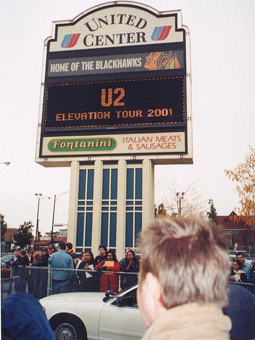 00United Center Sign.jpg