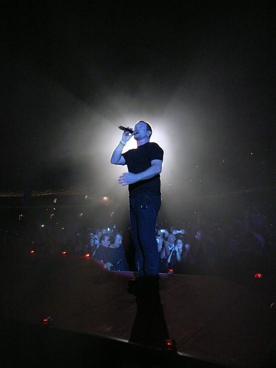 Photo by Andreas Kannemann / U2-Vertigo-Tour.com