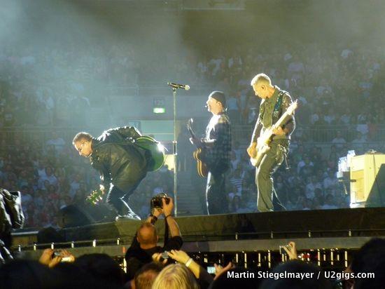 U2 360 London