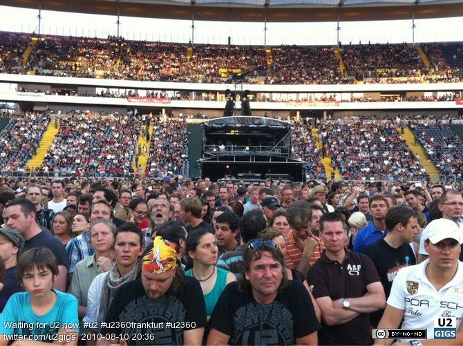 Photo by U2gigs.com 2010-08-10 20:36:50