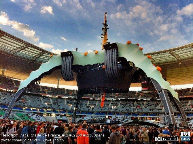 Photo by U2gigs.com 2010-09-18 19:19:33