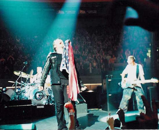 Bonoflag.jpg